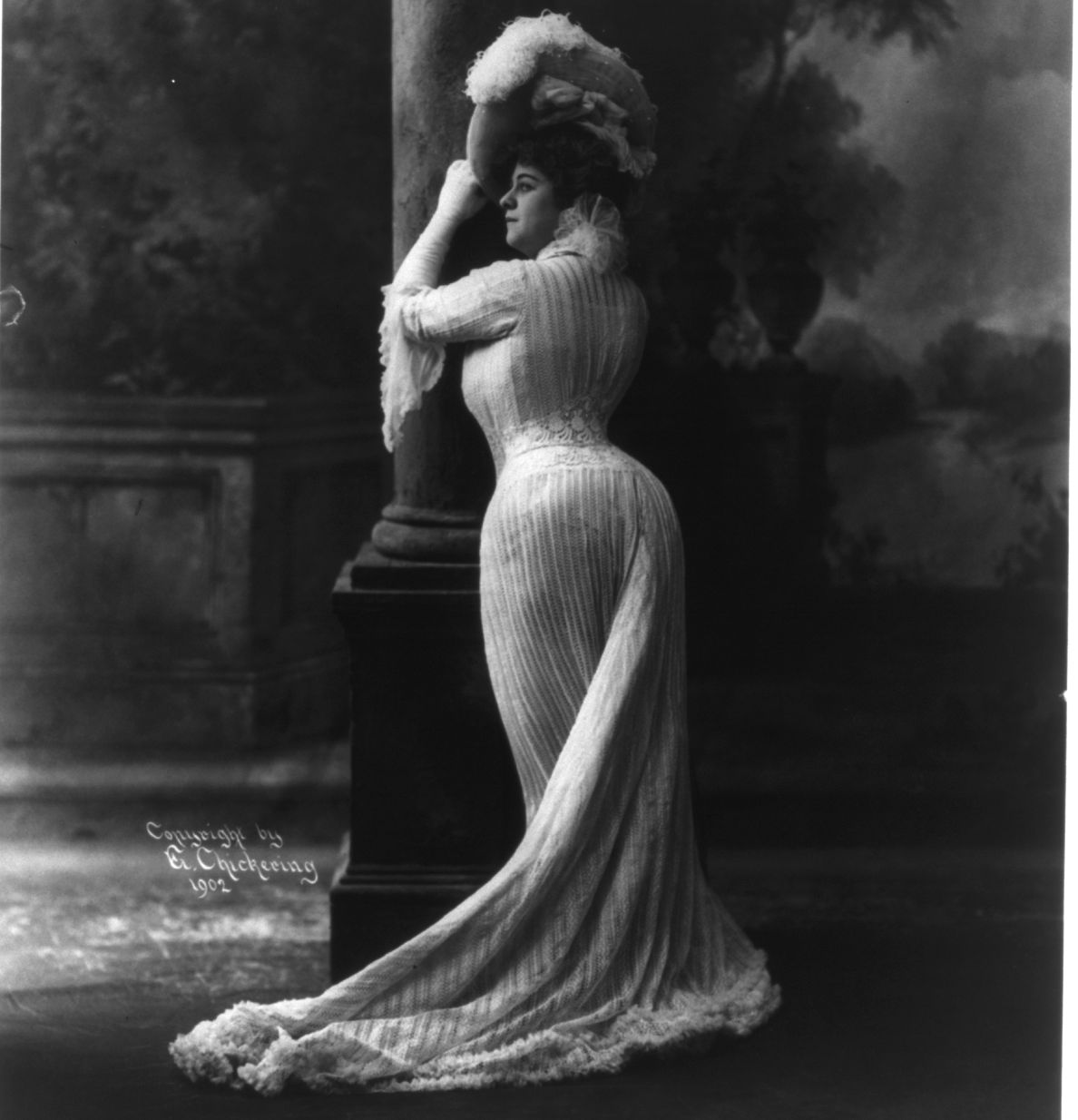 Maybe it's padding? Maybe it's posture? Maybe it's both!  Bianca Lyons 1902